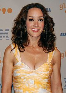 220px-Jennifer_Beals_at_GLAAD_Awards_cropped